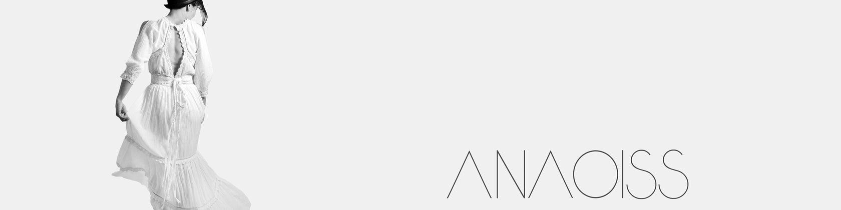 Simplicity is the keynote of all true elegance CC por Anaoiss
