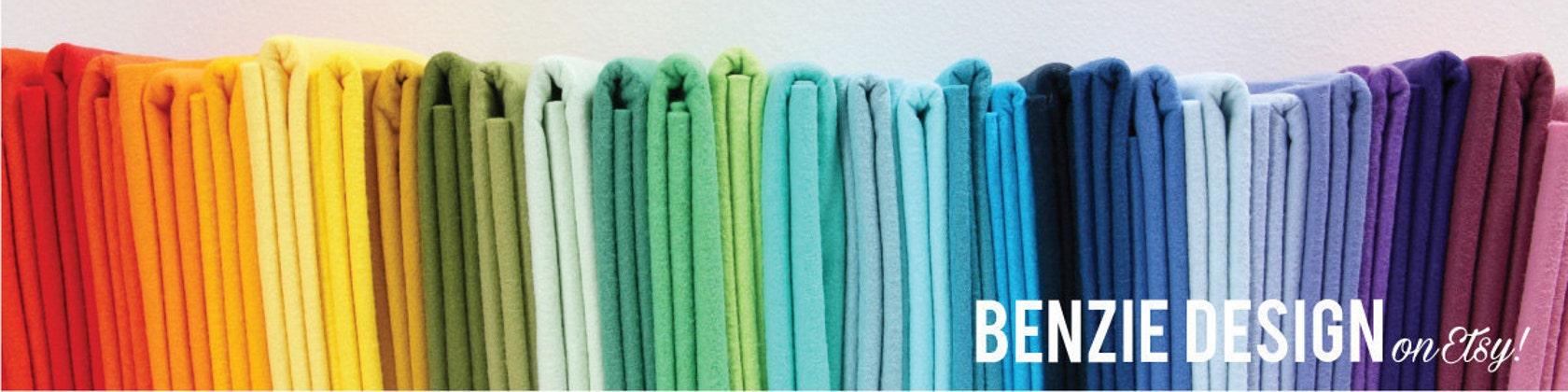 Wool blend felt felt balls and embroidery von BenzieDesign auf Etsy