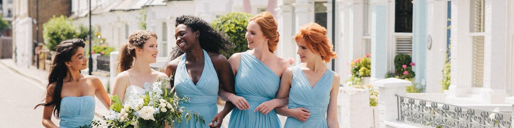 Perfectly Matching Wedding Clothing Bridesmaid von Matchimony