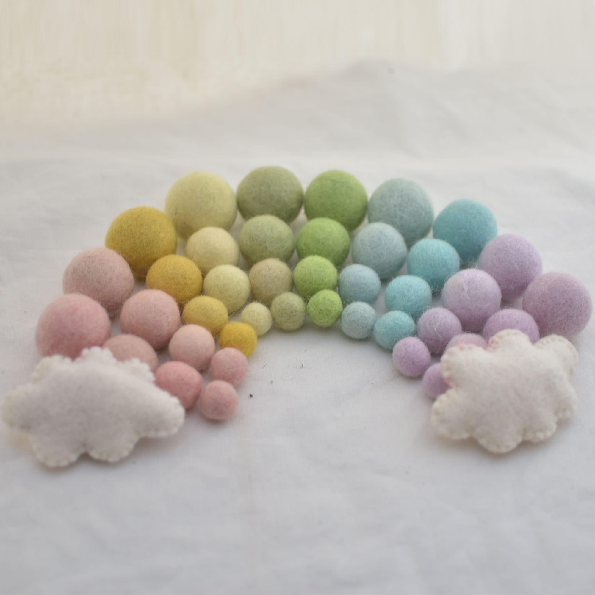 100/% Wool Felt Balls 10 Swirl // Polka Dots Felt Balls Light Latte 2.5cm