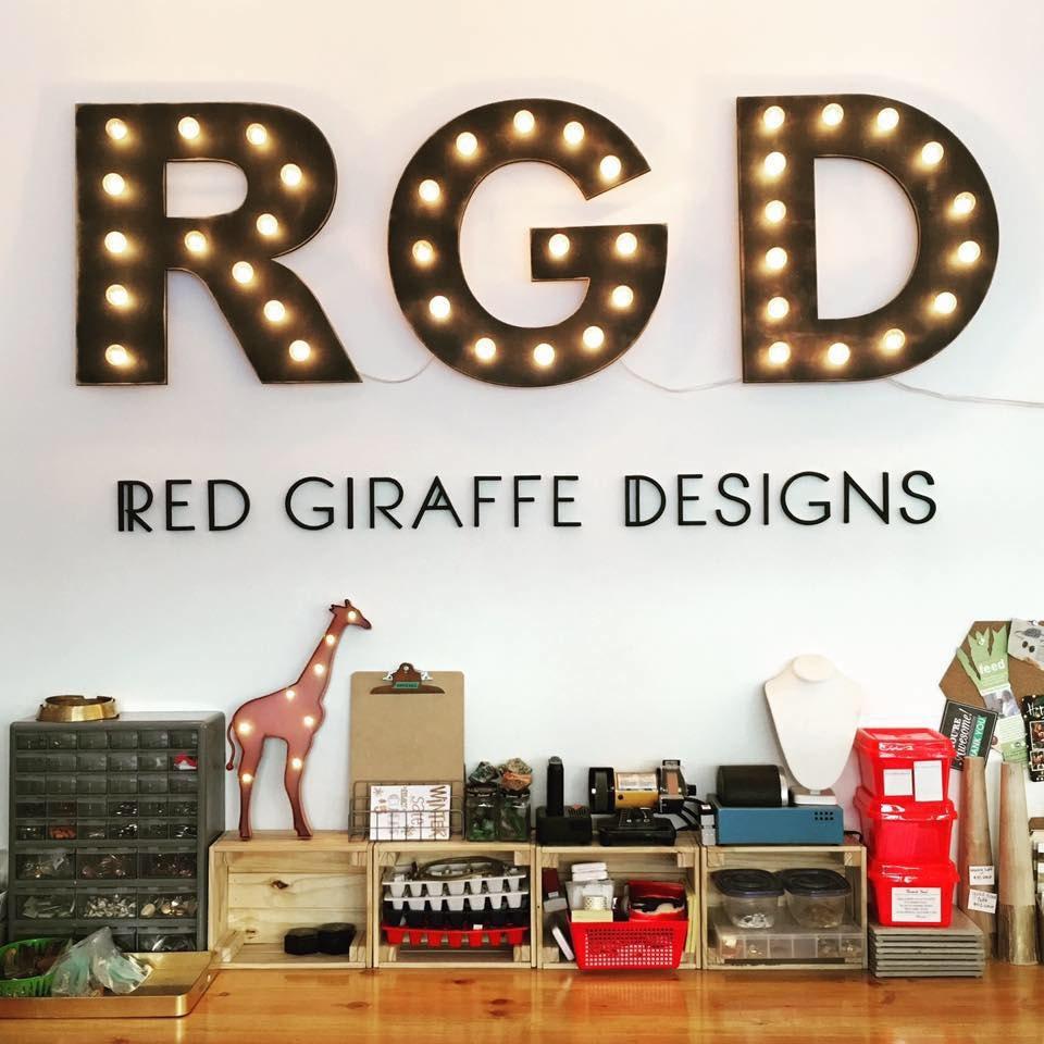 Handmade Personalized Universal von RedGiraffeDesigns auf Etsy