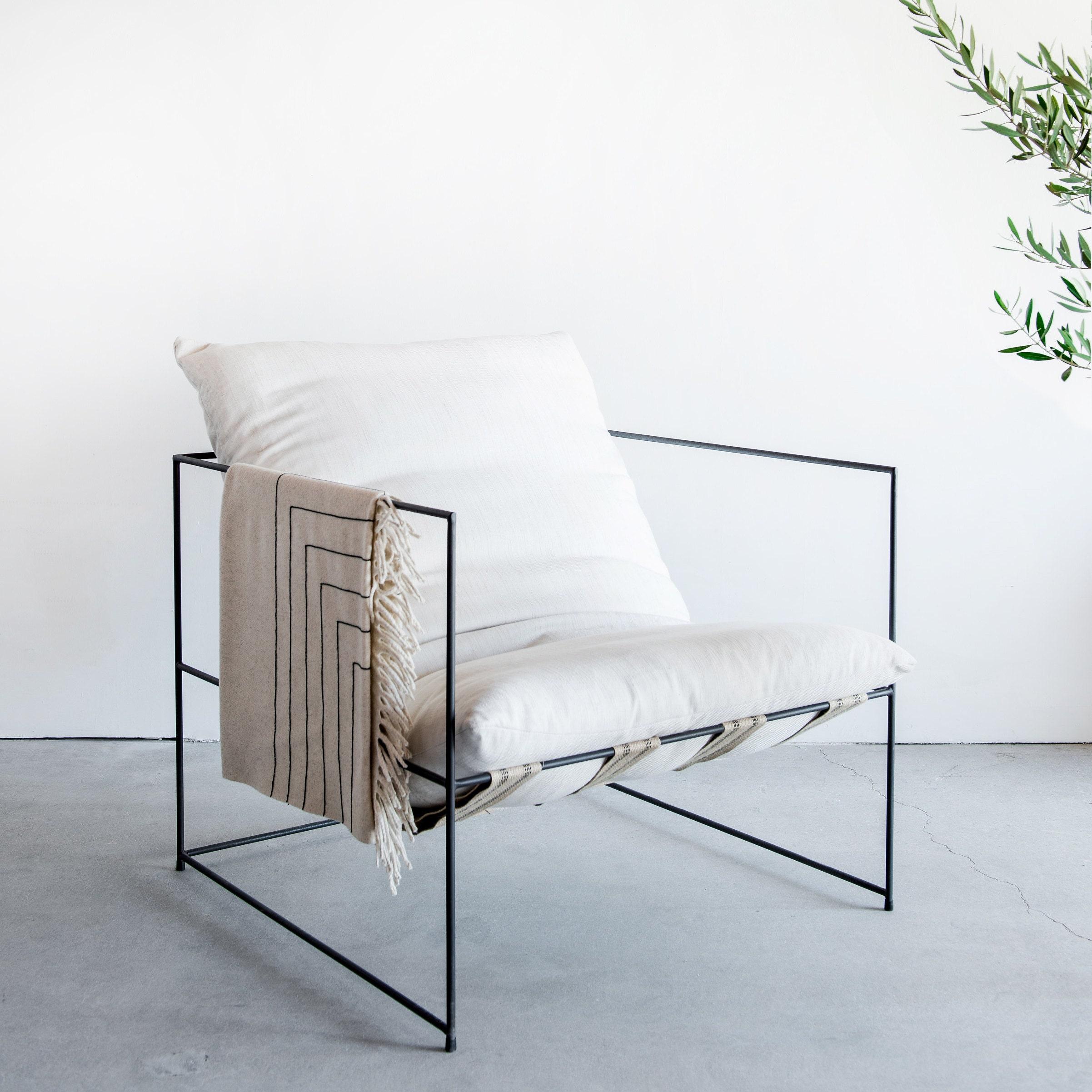 Eitelkeit Hellblaues Sofa Dekoration Von