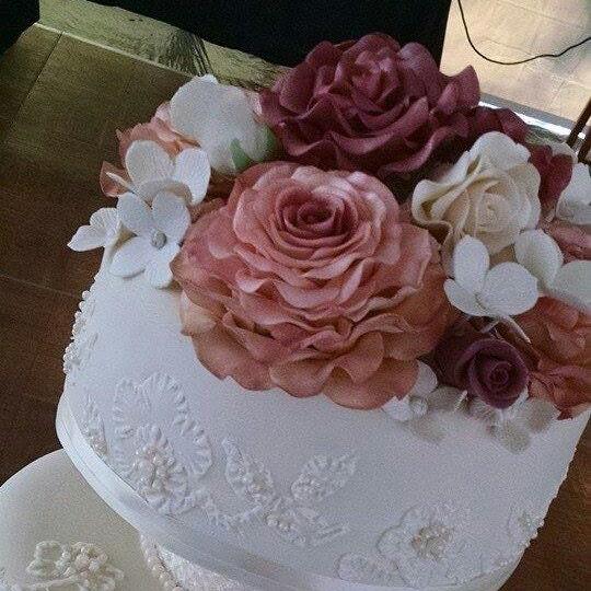 3 18 Edible LEAVES 4 1.5Gum pastefondant  Cake decoration  Edible flower  sugar flower  wedding cake decoration