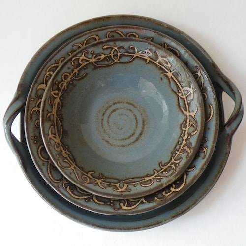 Stoneware Pottery Pie Plate White with cobalt ring Ready to ship.