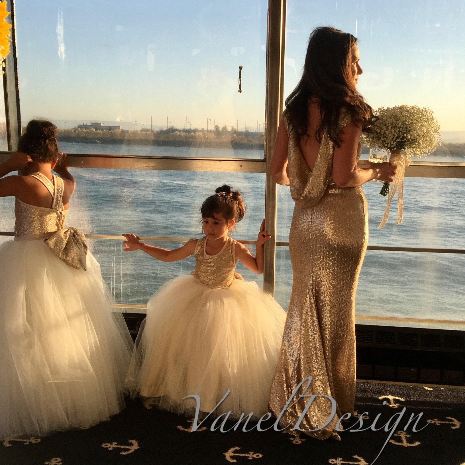 Wedding Dress Bridesmaid Dress Flowergirl Dress di VanelDesign 17d9a0a8c8c