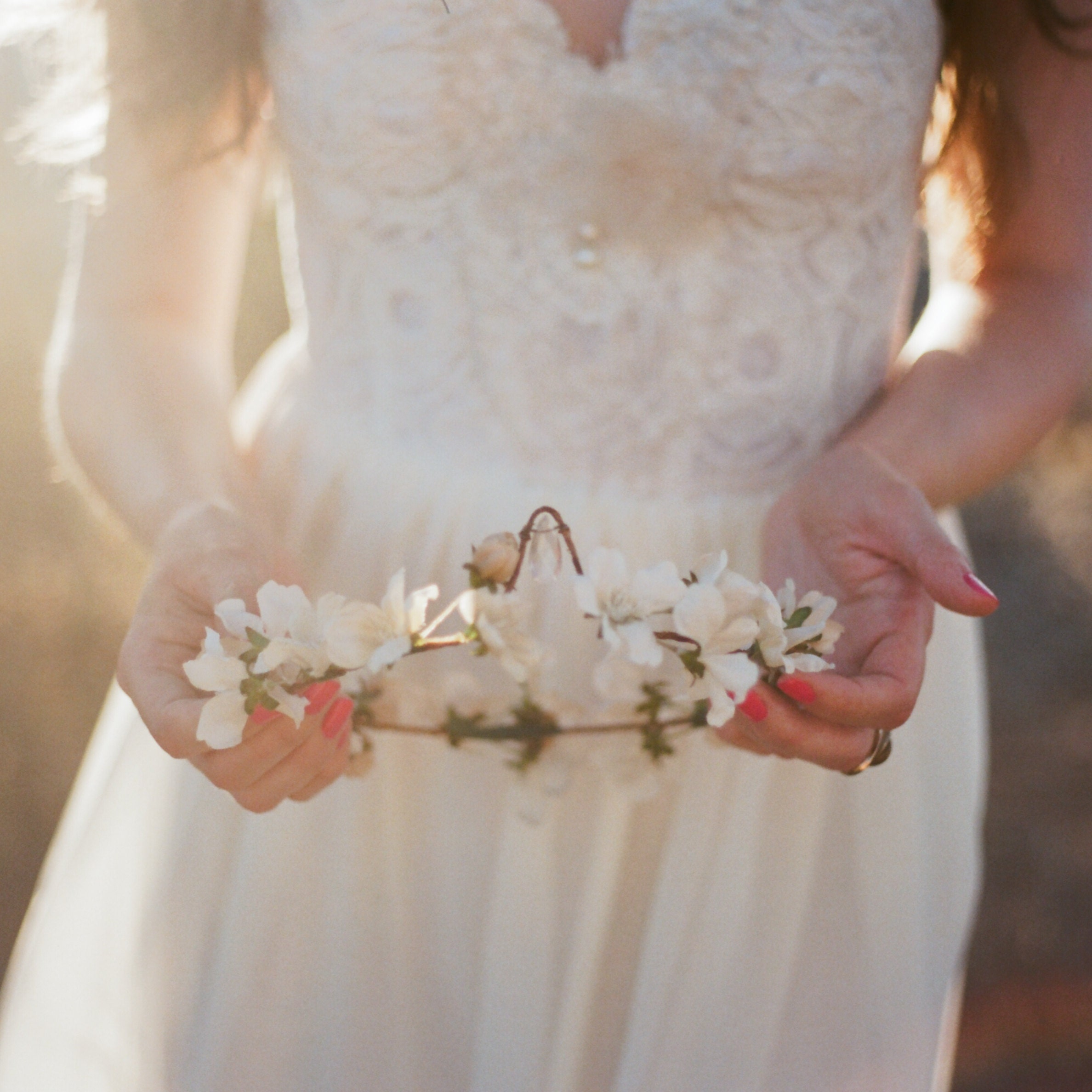 Flower crowns and bridal hair accessories by gardensofwhimsy izmirmasajfo