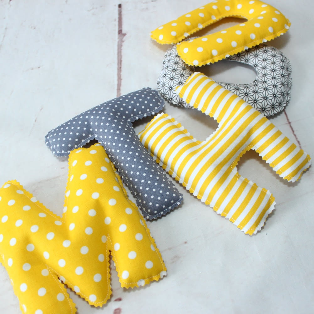 Fanion Chambre Bébé Garcon déco chambre bébé guirlande prénom couvertures par popelinedeco