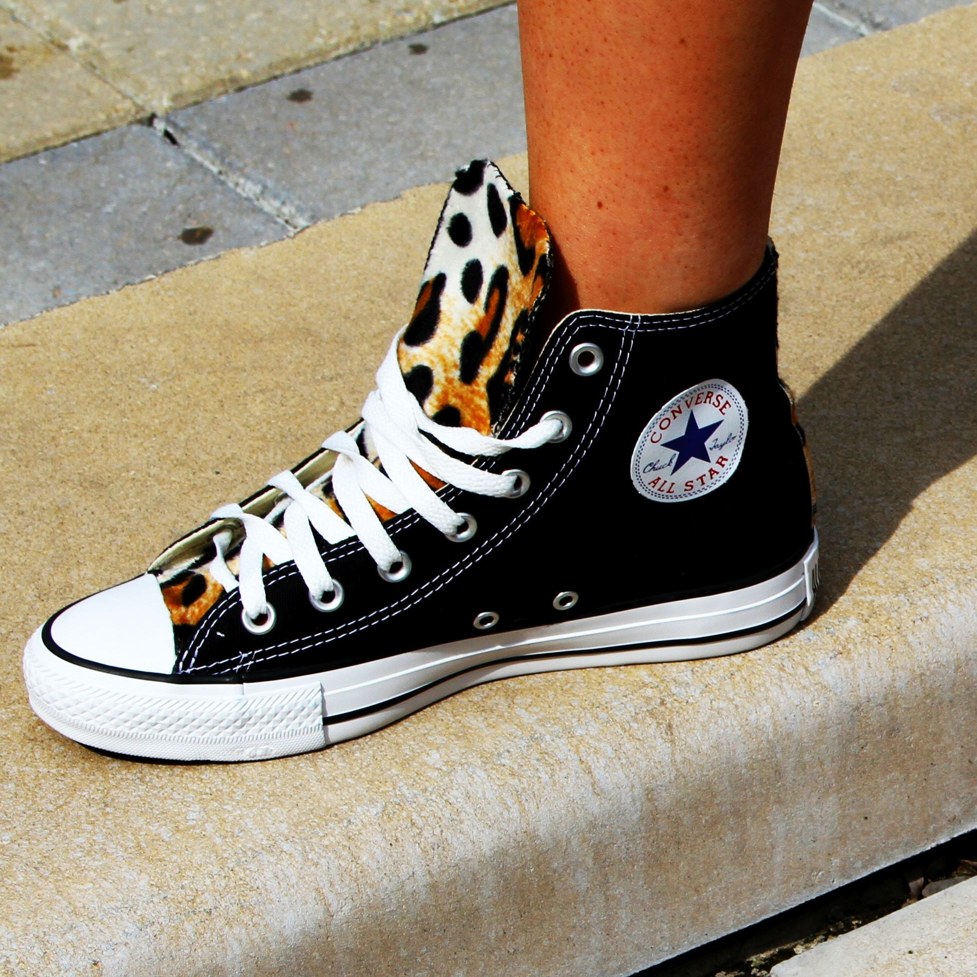 Customized Converse Chuck Taylor Shoes von LoveChuckTaylors