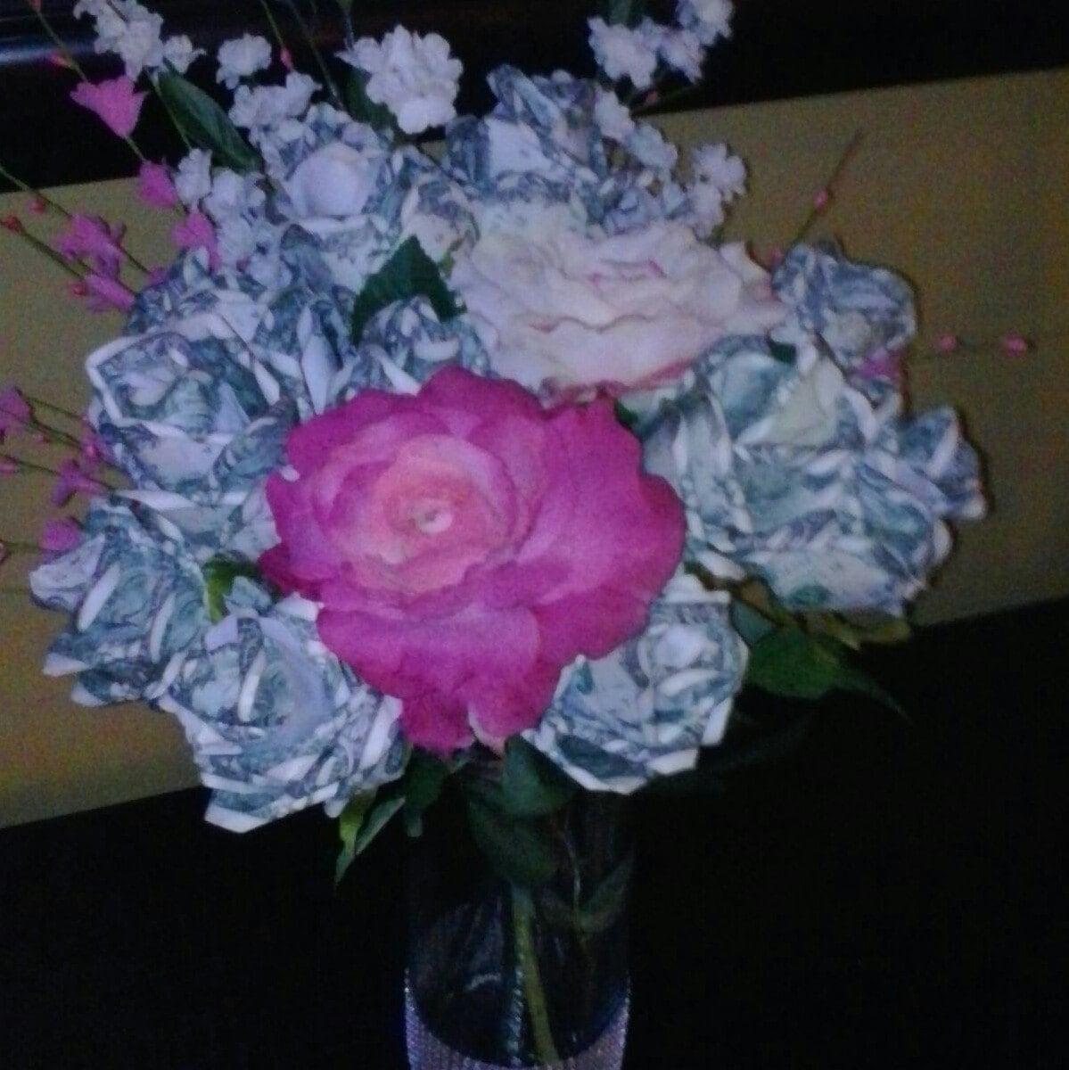 Money roses dollar flowers cash bouquet bridal bouquet etsy izmirmasajfo