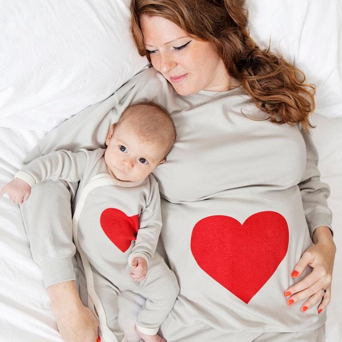 TEEPOMY The Man Behind The Bump Christmas Pregnancy for Dad Unisex Hoodie
