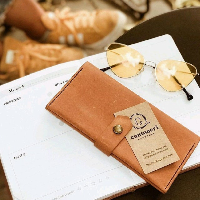 9bfa452dc094 Leather Wallets Bags & Backpacks. Handmade to order. by Cantoneri