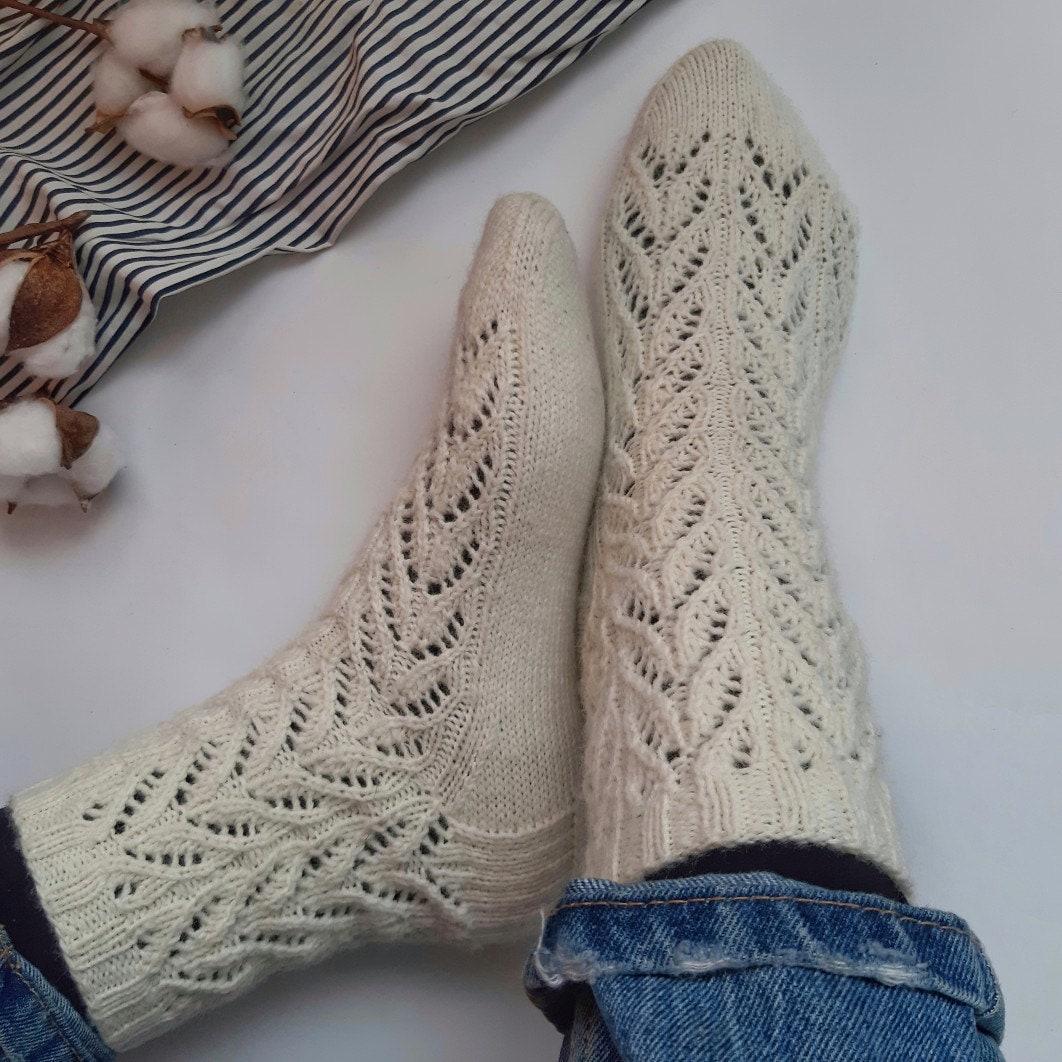 Easy sock knitting PATTERN Knitting socks for beginners ...