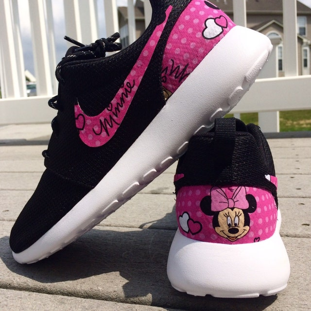 76900c71d319 PINK Minnie Mouse Nike Custom Roshe