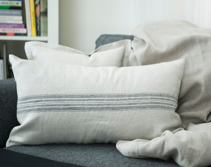 LUMBAR BOLSTER pillows