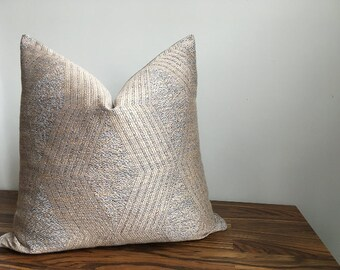 MIXED STYLE PILLOWS