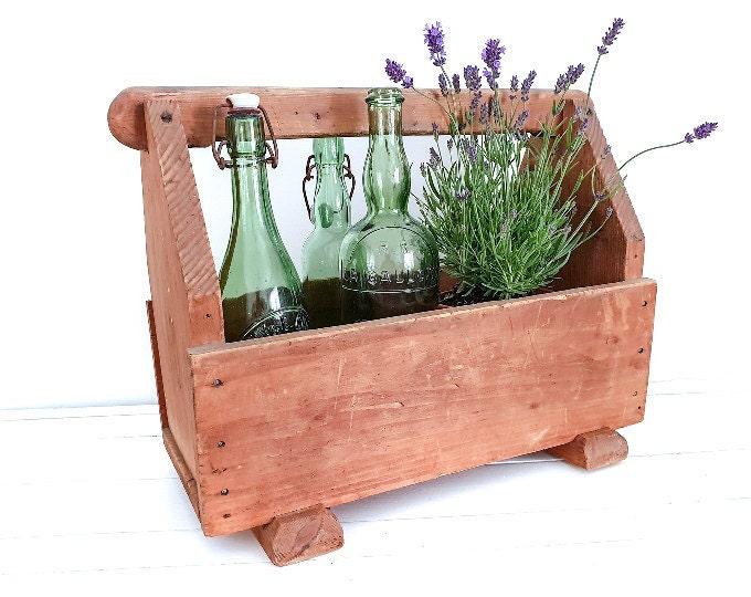Baskets,buckets & crates